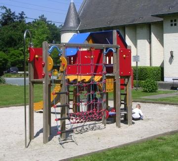 Speel- en sportterreinen buiten afgesloten