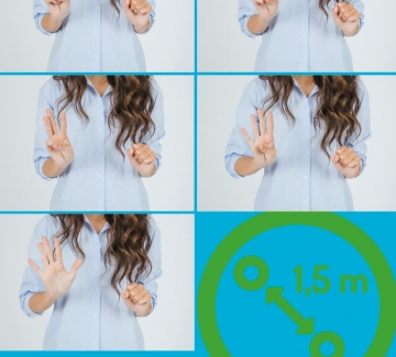 foto's van vrouw die met vingers tot 5 telt